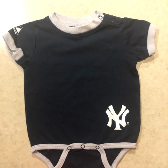 Majestic Other - Majestic NY Yankees boys 6-9M one piece
